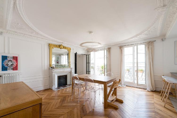 bright and breezy Parc Monceau - Rue du Cardinal Mercier luxury apartment