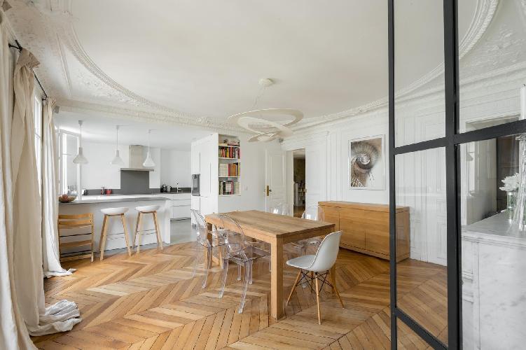 spacious Parc Monceau - Rue du Cardinal Mercier luxury apartment