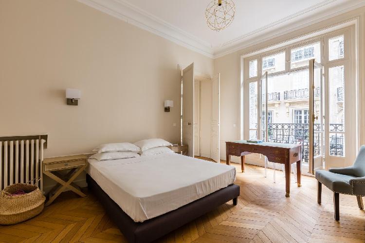 breezy and bright Parc Monceau - Rue de Courcelles IV luxury apartment