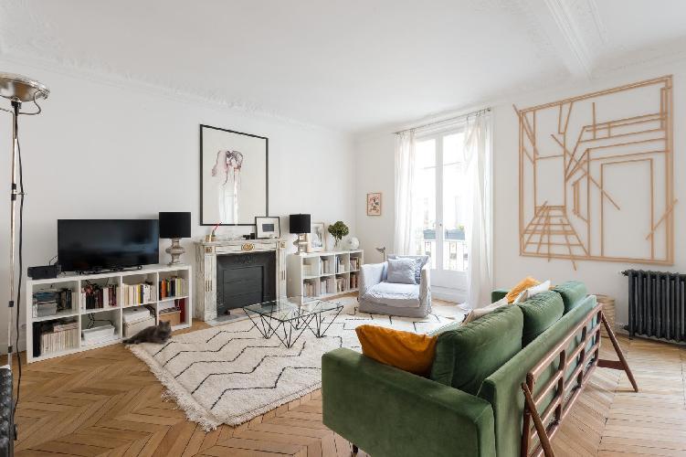 cool Canal Saint-Martin - République - Boulevard Saint-Martin luxury apartment