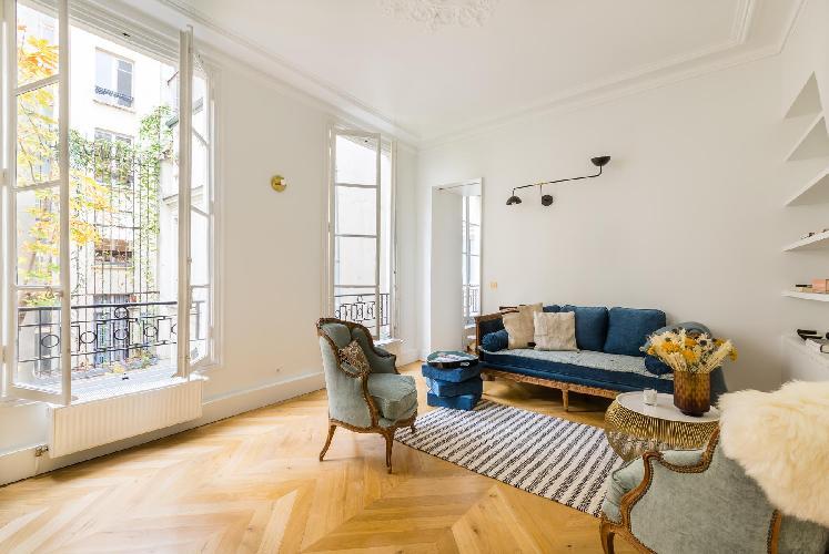 bright and breezy Louvre – Opéra - Rue de Caumartin II luxury apartment