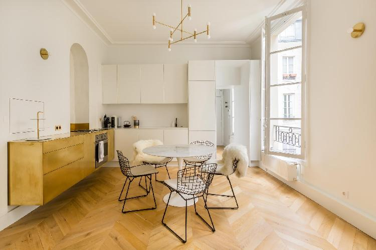 breezy and bright Louvre – Opéra - Rue de Caumartin II luxury apartment