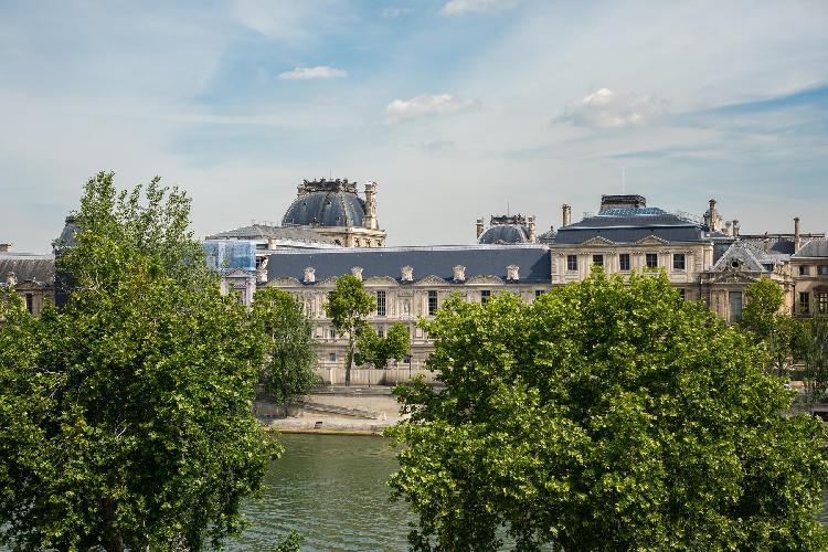 cool view from Saint-Germain-des-Prés - Quai Malaquais luxury apartment