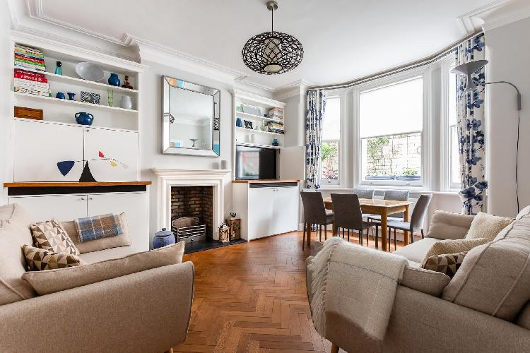 nice London - Northumberland Mansions luxury apartment, holiday home, vacation rental