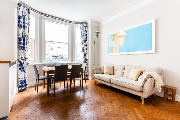 neat London - Northumberland Mansions luxury apartment, holiday home, vacation rental