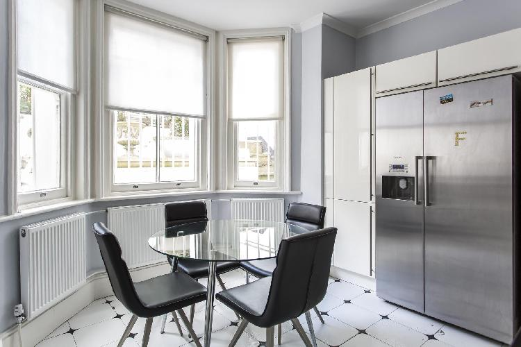 delightful dining room of Notting Hill - Elgin Crescent VIII luxury apartment