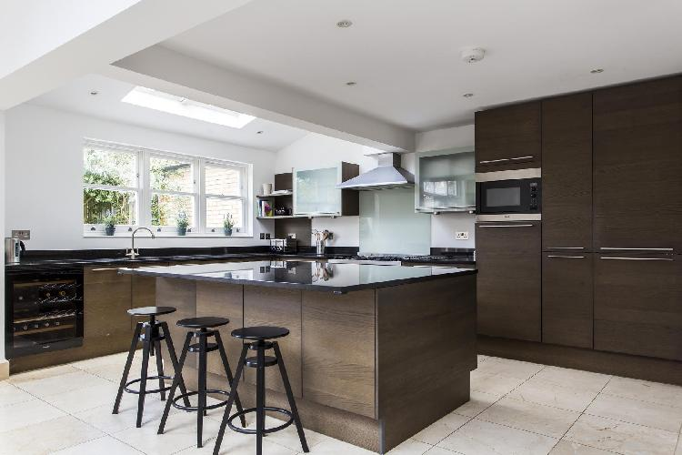 pleasant kitchen in London - Cleveland Road luxury apartment
