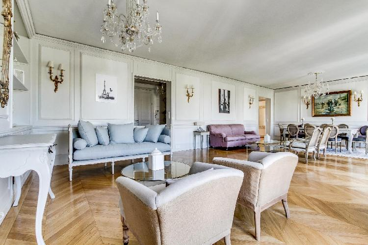 pretty living room of Champs Elysées - Foch III - 3 Bedrooms luxury apartment