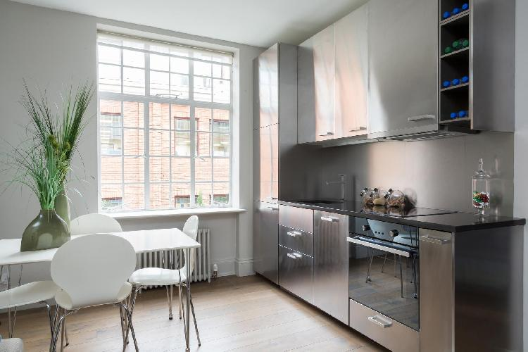 sunny and airy Chelsea - Chelsea Manor Street V luxury apartment