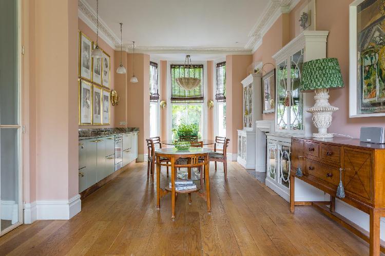 spacious Westbourne Grove - Aldridge Road Villas II luxury apartment