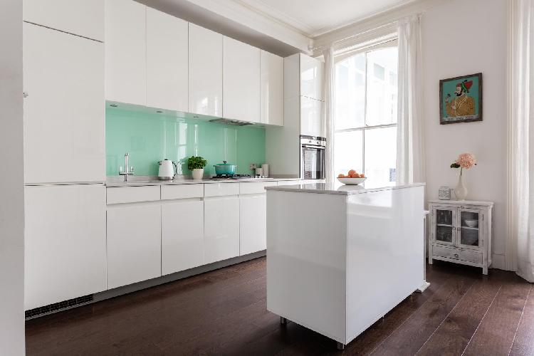 spacious Primrose Hill - Egbert Street IV luxury apartment, holiday home, vacation rental