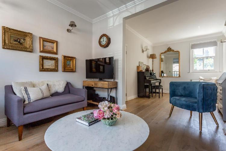 charming Fulham - Rosebury Road luxury apartment, holiday home, vacation rental