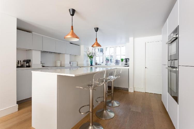 awesome Fulham - Rosebury Road luxury apartment