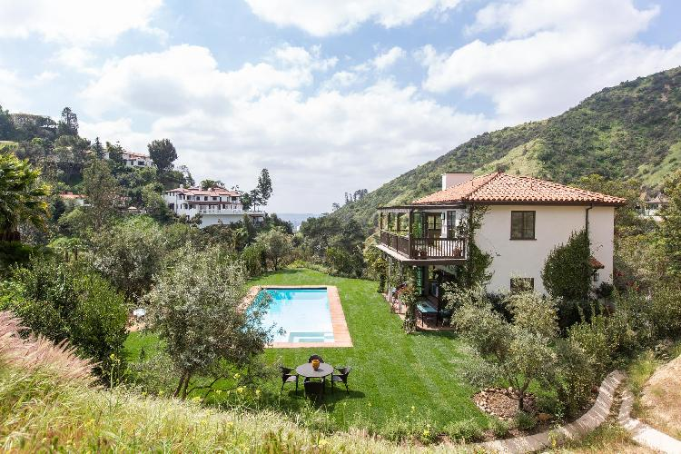 fun and fab Hollywood Hills Outpost Escape luxury vacation rental