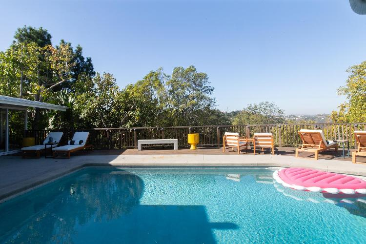beautiful Hollywood Hills Briar Knoll Drive luxury vacation rental
