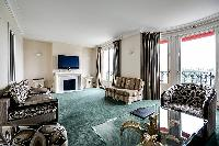 awesome Tour Eiffel - New York Penthouse luxury apartment and vacation rental