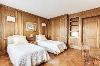 clean and fresh bed sheets in Trocadéro - Poincaré 3 Bedrooms I luxury apartment