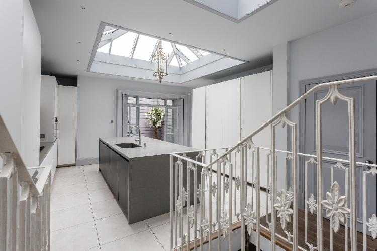 cool skylights of Belgravia - Eccleston Street III luxury apartment
