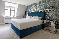 bright and breezy Kensington Church Street VIII luxury apartment