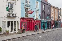 vibrant neighborhood of Kensington Church Street VIII luxury apartment