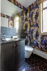 nice bathroom in Kensington Church Street VIII luxury apartment