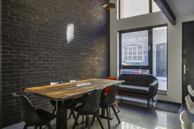 cool dining area in Shoreditch - Grimsby Street II luxury apartment