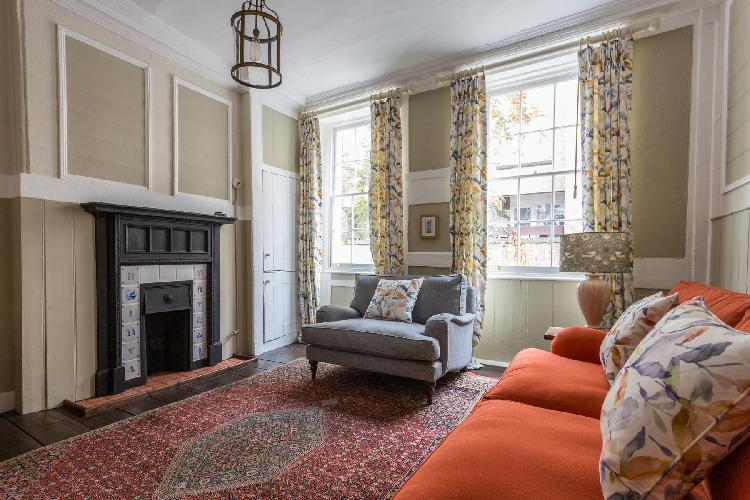 pleasant living room of Covent Garden - Neal Street luxury apartment