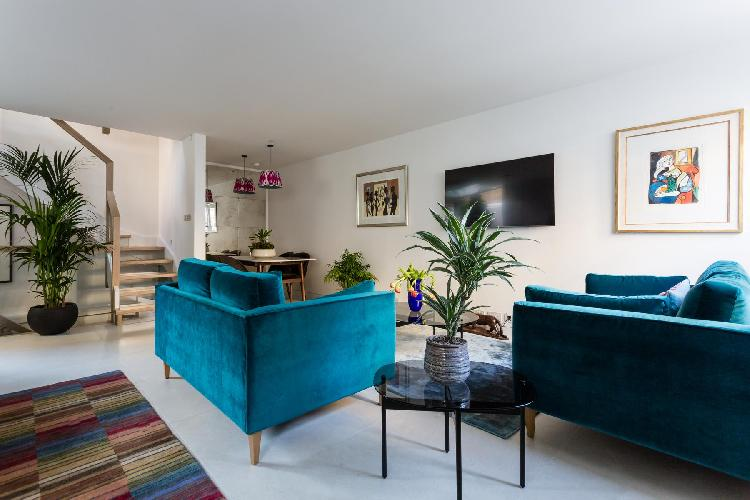cool living room of Notting Hill - Kensington Park Mews II luxury apartment