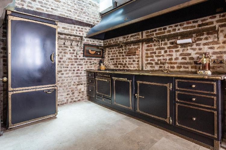 awesome kitchen of Knightsbridge - Ovington Mews luxury apartment