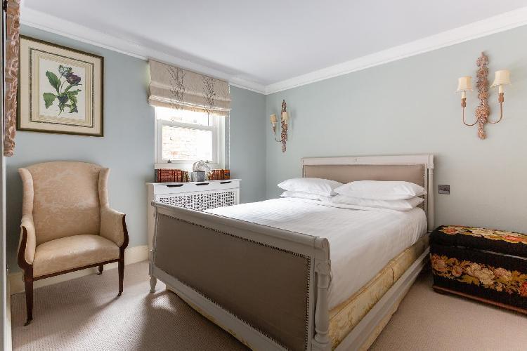 charming Pimlico - St George's Square IX luxury apartment
