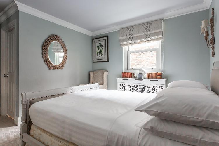 delightful Pimlico - St George's Square IX luxury apartment