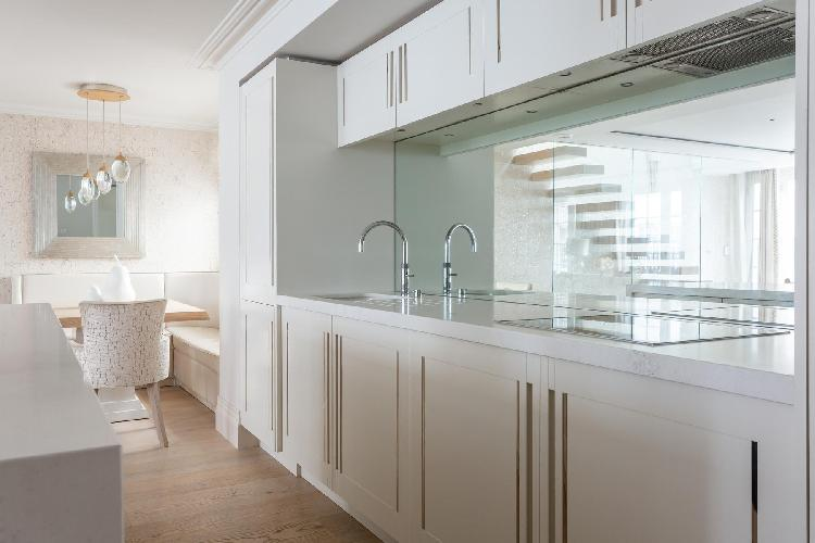 modern kitchen of Belgravia - Eaton Mews South luxury apartment