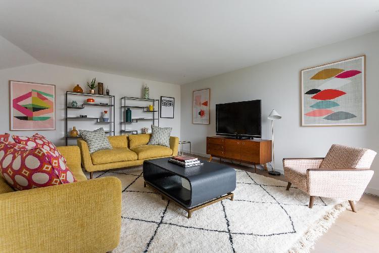 cool sitting area in Ladbroke Grove - Hewer Street IV luxury apartment