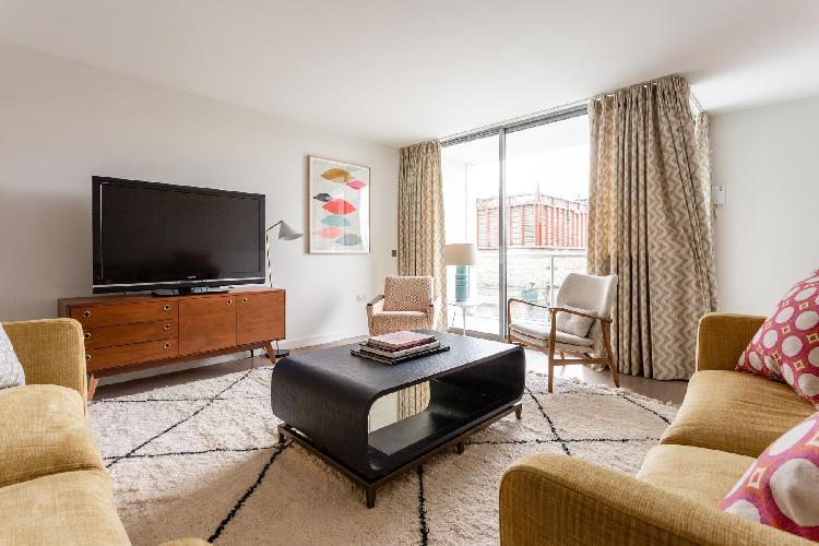 airy and sunny Ladbroke Grove - Hewer Street IV luxury apartment