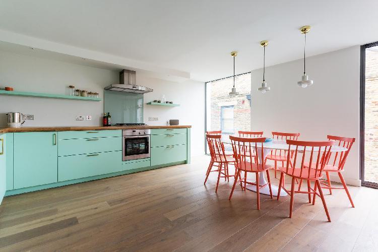 cool dining area in Ladbroke Grove - Hewer Street IV luxury apartment