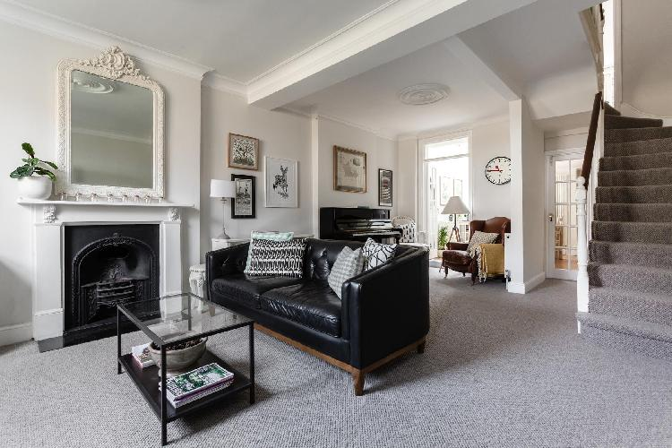 neat Hampstead - New End Terrace luxury apartment, holiday home, vacation rental