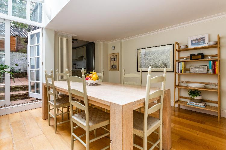 awesome Hampstead - New End Terrace luxury apartment