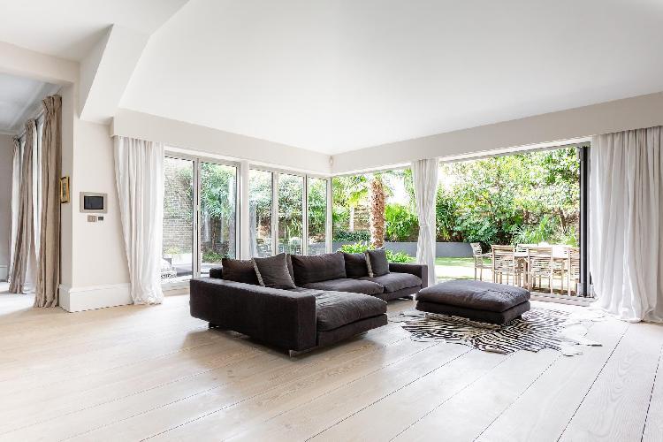 bright and breezy Battersea - Albert Bridge Road VI luxury apartment, holiday home, vacation rental
