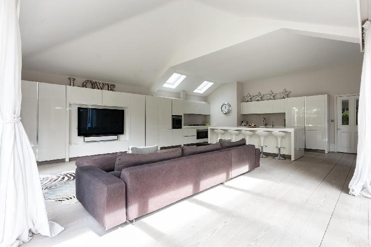 large Battersea - Albert Bridge Road VI luxury apartment, holiday home, vacation rental