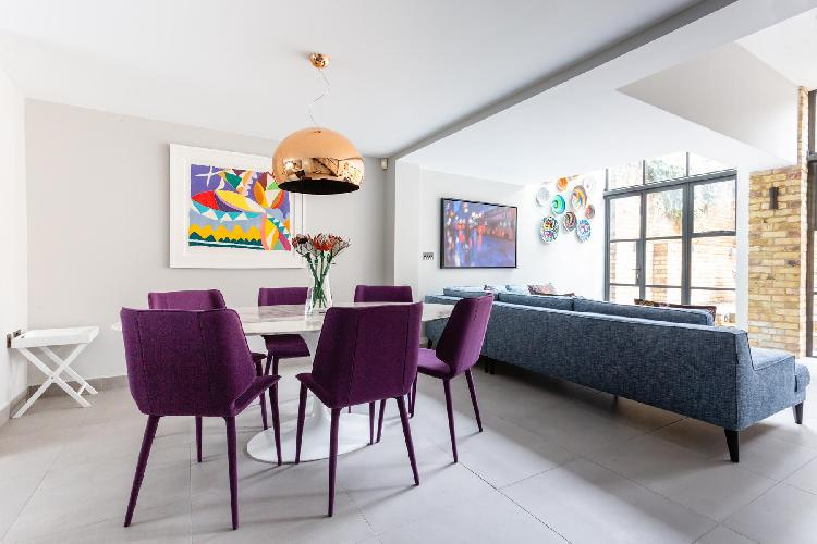 delightful dining area in Chelsea - St Luke's Street V luxury apartment