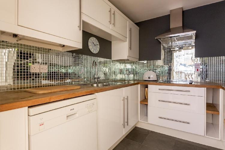 cool kitchen of Pimlico - Claverton Street luxury apartment