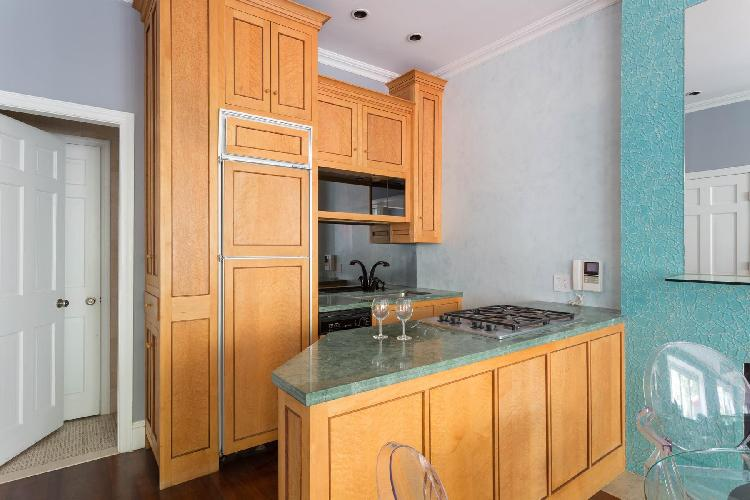 modern kitchen of New York Central Park Studio luxury apartment