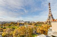 spectacular view of Eiffel tower from a 2-bedroom apartment in Paris