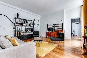 spacious luxury apartment and vacation rental