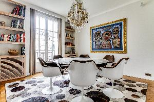 bright and breezy Ternes luxury apartment, vacation rental