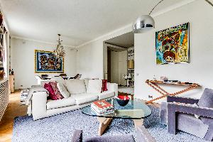 spacious Ternes luxury apartment, vacation rental