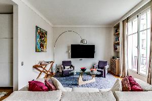 sunny and airy Ternes luxury apartment, vacation rental