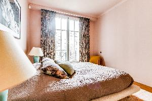 lovely Ternes luxury apartment, vacation rental