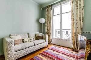 well-appointed Ternes luxury apartment, vacation rental