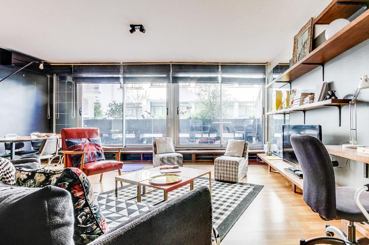 bright and breezy Montparnasse - Premiere luxury apartment and vacation rental
